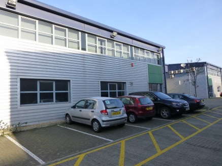 Chancerygate Business Centre is a modern development of just 8 warehouse units. We are offering the ground floor of Unit 8 which provides clear warehouse space of 3,724 sq ft with ground floor offices/production space of a further 2,152 sq ft. The un...
