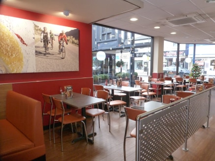 The property comprises a corner sited ground floor restaurant and first floor offices. The restaurant has a total retail area of 1,186 sqft (110 sqm) and first floor offices 345 sq ft (32.05 sqm). The property benefits from a splat and return frontag...