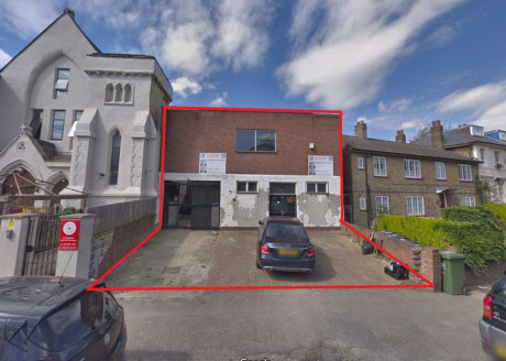 !! AVAILABLE WITH REVISED PLANNING !!   Freehold B8 industrial unit with planning granted for extension and conversion creating 12 x apartments.