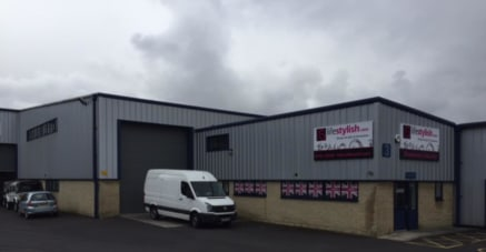 Park Road Business Centre comprises a small development of high quality industrial/trade counter units of modern steel portal frame construction with bradstone style brickwork walls to a height of around 7ft and insulated vertical cladding above and...