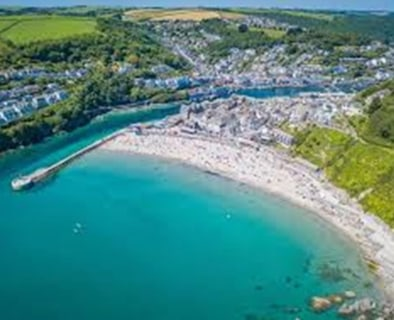 Freehold 5 Bedroom Guest House Located In West Looe, Cornwall\n90% Occupancy\nAA 3 Star\nRef 2397\n\nLocation\nThis outstanding 5 bedroom Guest House is located in the highly desirable harbour town and fishing port of West Looe in South East Cornwall...