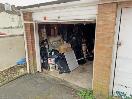 GUIDE PRICE �8,000-�10,000. A single lock-up garage with modern up and over door situated in a residential cul de sac in Kingswood. The property would be ideal for parking or secure storage.