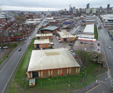 The property comprises a modern industrial / warehouse unit with the following specification: