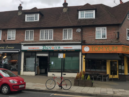 The property is located within a parade between Ottoman Grooming Lounge and Tom Yum Thai restaurant near to the new retail development with Fat Face and opposite HSBC Bank. Vehicular access to the main public car park is close by with the pedestrian...