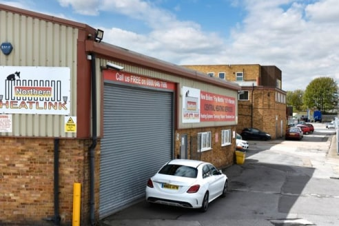 With over 10 workshop spaces available on short, medium and longer term let. All of which can be laid out and fitted to your exact requirements. We offer flexibility and affordability for small businesses in and near Wakefield....