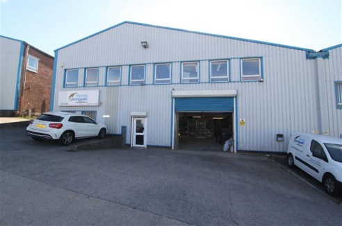 ***LARGE INDUSTRIAL UNIT & OFFICES***  Opportunity to lease a large freehold, two-storey industrial unit of approximately 12,000 sqft located within the Novers Hill Trading Estate, Bedminster. The unit is conveniently located within close proximity t...