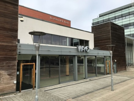 Prominent leisure unit to let comprising 4,664 sq ft in Sale. The premises are comprised of a former restaurant located in a prominent position on the Waterside Plaza development immediately adjacent to the Slug & Lettuce....
