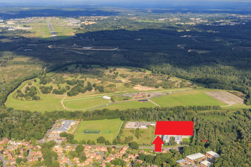 Key Features<br><br>* Adjacent to new proposed Aldi and Home Bargains retail development.<br>* New warehouse/production and manufacturing units up to 45,704 sq ft.<br>* Pre-let or Pre-sale opportunities.<br>* Opportunity to buy the serviced plot of l...