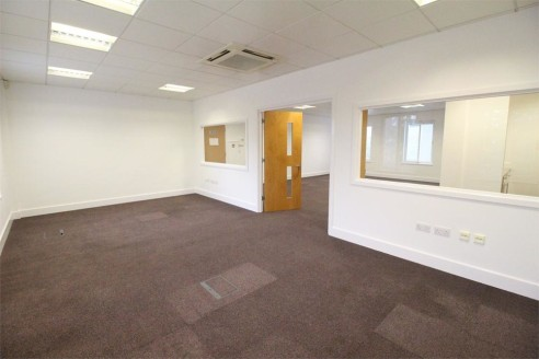 We are pleased to offer two superb air-conditioned suites of offices of 900 square feet each on the first and second floor of this modern building, located in an exclusive Business Park just off Edgware High Street, conveniently placed bewteen Edgwar...