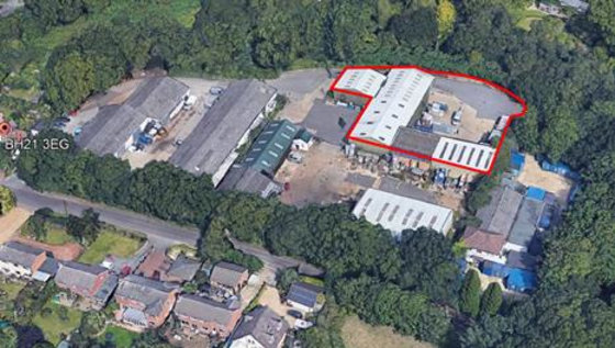 INDUSTRIAL / WAREHOUSE UNITS WITH EXTENSIVE...