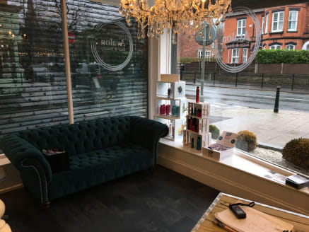 The property comprises a ground floor retail unit that is currently fully fitted out as a hair salon.  Internally, the ground floor provides an open plan sales area. To the rear of the property there is WC facilities, a kitchen and a storage room. Th...