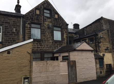 The premise briefly comprises an mid stone built terrace property situated on the busy A646 Burnley Road in Todmorden having a retail unit to the ground floor with an adjoining 4 bedroomed residential house to the rear and upper floors.  The property...