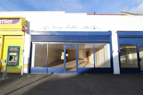 Larger than average sized lock-up retail unit of approximately 824 sqft situated on the main High Street in Avonmouth, providing a busy trading position and good access to the A4 Portway and M5/M4 motorway network. Currently arranged as an open plan...