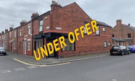 The property provides a self-contained, open plan retail unit with WC to the rear.   The unit would be suitable for a variety of trades including hairdressers, barbers, tattoo artist, café, office and retailers.   Externally the doors and window have...