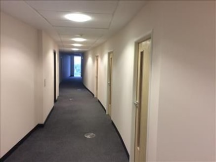3rd floor modern serviced office accommodation within a purpose built office building. The offices benefit from Fibre optic broadband, comfort cooling and heating, passenger lift, communal Ladies, Gents and Disabled wc's on each floor and on site ......