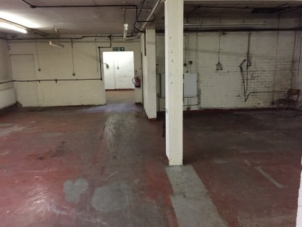 Under Offer]\nINDUSTRIAL WORKSHOP with OFFICES within Birmingham's Historic Jewellery Quarter. Benefitting from LOADING ACCESS, SECURE YARD and further work space to first floor - Gross Internal Area: 5,000 ft2 (464....