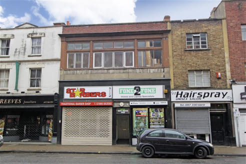 A substantial mixed-use commercial investment arranged as two ground floor shop units with a spacious and well-presented 2 bedroom flat above. Situated in a prominent rank of shops in Bedminster, the commercial elements benefit from excellent levels...