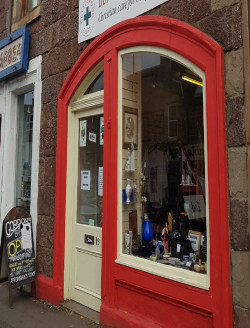 Attractive Village Centre Retail Premises