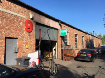 UNIT 9 ALEXANDRA INDUSTRIAL ESTATE, CARDIFF, CF3 1EY\n\nTO LET\n2,977 Sq.Ft.+ Mezzanine Floor\n\nA mid-terrace workshop unit of 2,977 sq.ft. additional first floor accommodation of 422 sq.ft.. Situated on a secure estate within fenced compound.\nAvai...