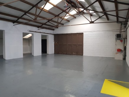 Trade counter / industrial / warehouse unit 6,019 sq ft