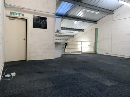 Unit 31 is an industrial unit with good loading and parking facilities.  The industrial units are located on Fairways Business Park situated at the end of Lammas Road, off Lea Bridge Road (A104). Lea Bridge Road (A104) provides access to North Circul...