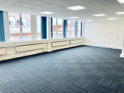 City centre office accommodation right in the heart of the thriving retail and business district. Situated on Watergate Row, 1 minute walk from ''The Cross''. Close to Sainsburys.  Fourth Floor Suite 1 = 1,406 sq ft   Fully refurbished  Available for...