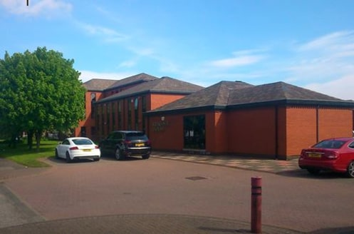 25 KINGSWAY HOUSE IS SELF CONTAINED OFFICE ACCOMODATION LOCATED ON THE TEAM VALLEY TRADING ESTATE.  The suite is open plan and benefits from a private entrance, kitchen, W/C, strip lighting and carpeted flooring.   Car parking is available within a c...