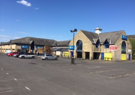 The property was orIgInally constructed as a KwIk Save Supermarket however 99p stores were the most recent tenant untIl the company recently entered admInIstratIon. The space benefIts from aIr condItIonIng throughout and a hIgh number of on sIte car....
