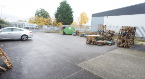Unit 18 is situated on the Groundwell Industrial Estate, approximately 4 miles north east of Swindon town centre. Groundwell is a popular and successful trading estate and has excellent road communications.