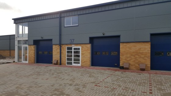 Mid Terrace Warehouse / Industrial Unit To Let   Total GIA 188.03 sq m (2,024 sq ft)