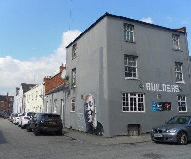 Public House Located In Leamington Spa\n\nFree of Tie (To-Let)\n\nRef 2359\n\nLocation\n\nThis established Public House is located in Royal Leamington Spa. The business sits within a prominent and highly visible, corner trading position on Lansdowne....