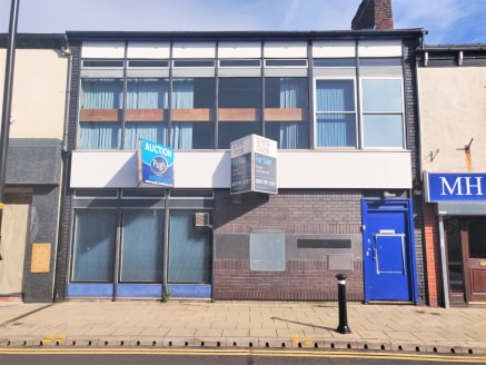 The property comprises a building of masonry construction arranged over two floors. The building features a retail unit on the ground floor and office/storage accommodation to the floor above.   The property is located on Market Street between Morley...