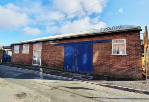 This detached, single-storey commercial building of traditional  brick construction extends in total to approximately 2,042 sqft  (189.67 sqm) incorporating a large open plan general office,  two cellular offices, workshop/store room with double load...