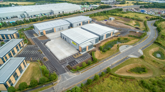 Warehouse area : 18,530 sq ft. Ground & first floor office/amenity areas : 2,700 sq ft. Secure gated service yard with a depth of 27.3m. 8m eaves height. 2 no.level access loading doors. 3-phase electricity supply. Mains gas. Glazed feature office en...