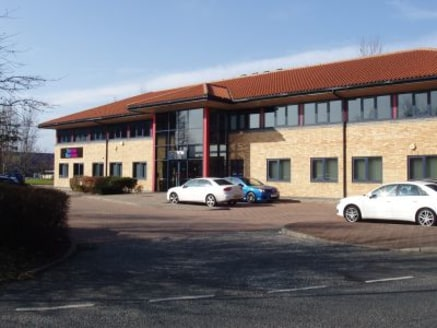 GROUND FLOOR OFFICE SUITES - CAMERON HOUSE, METROCENTRE, GATESHEAD  Suite 1 - 37.74 sq m (406 sq ft)  Suite 2 - 53.48 sq m (575 sq ft)  Suite 3 - 38.19 sq m (411 sq ft)  Suite 4 - 38.86 sq m (418 sq ft)  Description  Cameron House has a fully glazed...