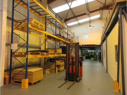 Warehouse unit with extensive offices to ground and first floor