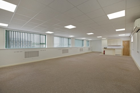 102 Kirkstall Road comprises a three storey office building located on the fringe of Leeds city centre on a major arterial route into the city.   The available space comprises of a range of office suites which could also be let as whole. The building...