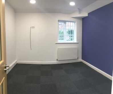 Amco Commercial are pleased to offer this Self Contained Office Accommodation with separate ground floor entrance.  The premises are on the entire first floor and are immediately available to occupy.  The premises offers its own ground floor entrance...