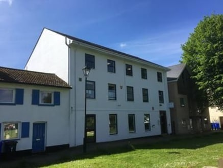 Well presented fully refurbished office suite located in Mildenhall town centre with excellent access to the A11. The space benefits from new carpets, freshly painted walls and ceiling, electric heating units, LED lighting, kitchen and complete new W...