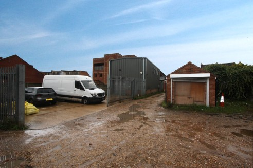 Industrial Unit with Secure Yard  Total Size 108.50 sq m (1,168 sq ft)