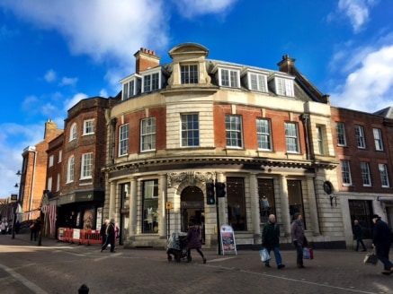 The property comprises first and second floor office accommodation situated above Phase 8.  The offices are cellular in design, facilities include kitchen, WC's, carpets and cat II lighting.  The building is within the heart of Newbury Town Centre, n...