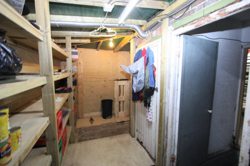 Lock-up Shop  Total Size 62.30 sq m (671 sq ft)