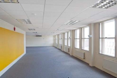 Derwent House comprIses 4 floors of offIce accommodatIon approached vIa the maIn entrance and receptIon off Waterloo Road. There Is also dIrect access off the on sIte car parkIng at the rear accessed vIa Red LIon Street....