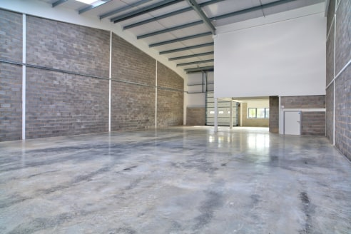 Warehouse/production units in an environment suitable for business and pleasure