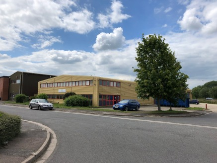 Bicester is situated 12 miles northeast of Oxford strategically located on the M40 corridor and connected by the A41 dual carriageway link. Bicester is subject to substantial housing commercial and infrastructure investment over the next 10 years whi...