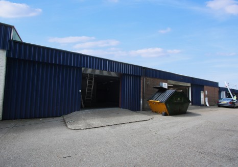 Industrial /Warehouse Unit  Total Size 1,653 sq ft.