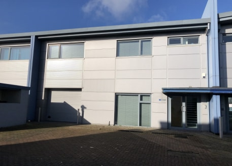 Ergo Business Park is a modern business park development offering flexible contemporary self-contained office, business and industrial accommodation within attractive landscaped grounds. Modern high quality business unit. Ground floor storey height o...