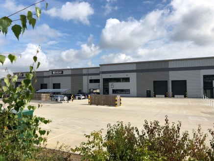 Arrow Park, Brackley comprises a new warehouse and production development of 8 units. Units are built to a high specification, offer main road prominence on the A43 and provide excellent road connections to the M40 and M1....