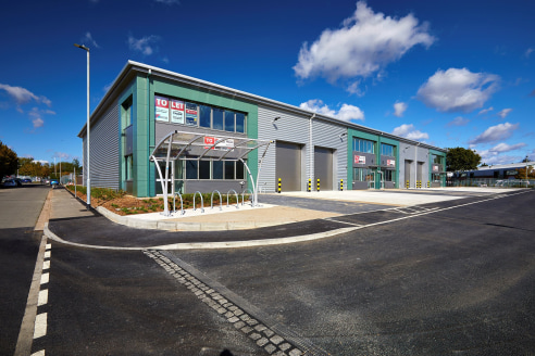 UNIT 1 - 7,444 sq. ft. BRAND NEW WAREHOUSE AND TRADE COUNTER WITH SECURE YARD, CHELMSFORD<br><br>Location<br><br>Trade City Chelmsford is located on Montrose Road, within Dukes Park Industrial estate which is regarded as the premier industrial/ wareh...
