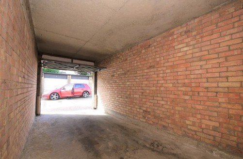 Victor Michael are pleased to offer three garages to rent located in Redbridge just moments away from Redbridge underground station on the central line. size in meter 2.44 X 5.18